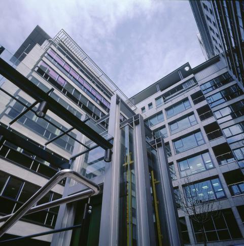 Bellevue Plaza Irodaház